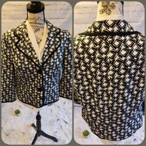 💋JM Collection 12P lined black and white blazer.